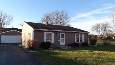 Hanover Park Single Family Home For Sale: 7180 East Avenue