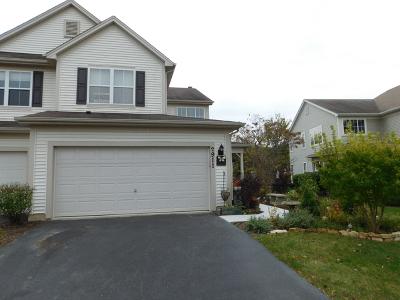 St. Charles Condo/Townhouse For Sale: 2911 Pleasant Plains Drive #31-2911