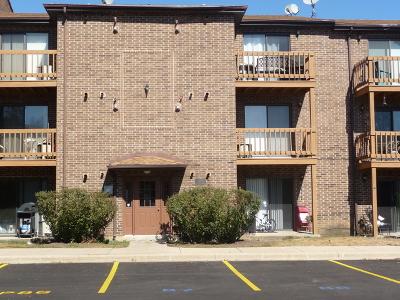 Lisle Condo/Townhouse For Sale: 2254 Abbeywood Drive #C