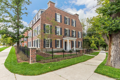 Lake Forest Condo/Townhouse For Sale: 837 McKinley Road