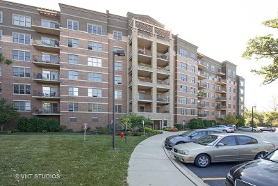 Bloomingdale Condo/Townhouse Contingent: 125 Lakeview Drive #504