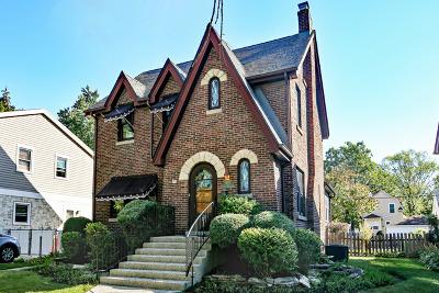 Brookfield Single Family Home For Sale: 4151 Dubois Boulevard