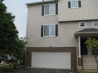 Gilberts Condo/Townhouse Contingent: 323 Evergreen Circle