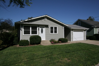 St. Charles Single Family Home Contingent: 1210 Indiana Avenue