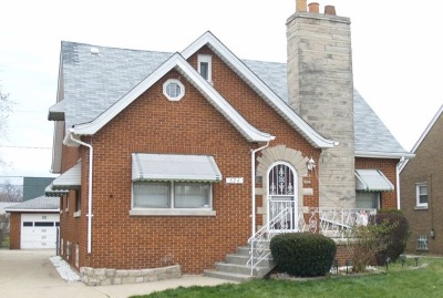 Calumet City Single Family Home Contingent: 524 157th Street
