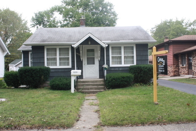 Lansing Single Family Home For Sale: 18308 Wildwood Avenue