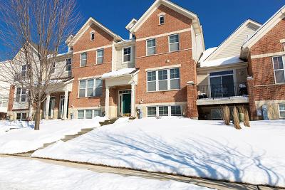 Hanover Park Condo/Townhouse For Sale: 5603 Cambridge Way