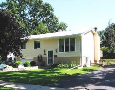 Mundelein Single Family Home Contingent: 323 South Lakeshore Drive