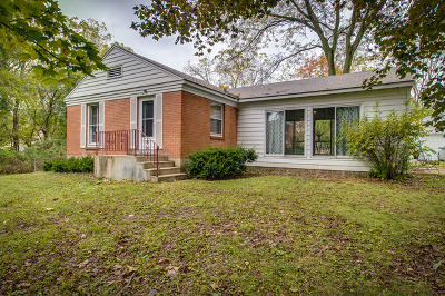 Bartlett IL Single Family Home For Sale: $239,900