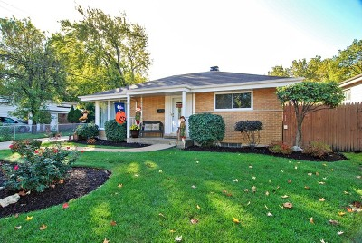 Westchester IL Single Family Home For Sale: $275,000