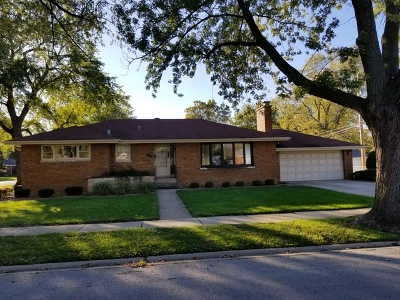 Single Family Home For Sale: 632 East 160th Place