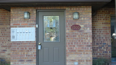 Lombard Condo/Townhouse Contingent: 1500 South Fairfield Avenue #24C