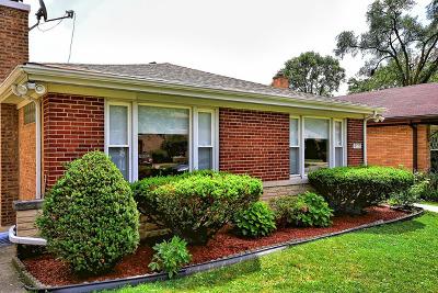 Skokie Single Family Home For Sale: 8723 East Prairie Road