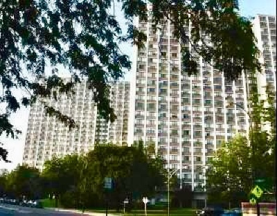 Condo/Townhouse New: 4850 South Lake Park Avenue #1301