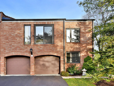 Oak Brook Condo/Townhouse For Sale: 2s579 Patrick Henry Square