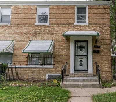 Condo/Townhouse New: 1118 West 111th Place