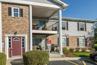 Crystal Lake Condo/Townhouse Contingent: 929 Golf Course Road #8