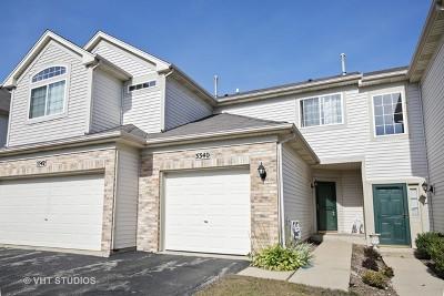 Carpentersville Condo/Townhouse Contingent: 3340 Blue Ridge Drive
