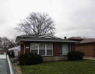 Dolton  Single Family Home For Sale: 14331 Cottage Grove Avenue