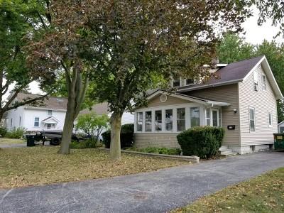 Batavia Single Family Home Contingent: 114 South Van Nortwick Avenue