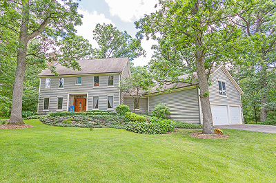 Hampshire Single Family Home Contingent: 44w570 Little Woods Trail