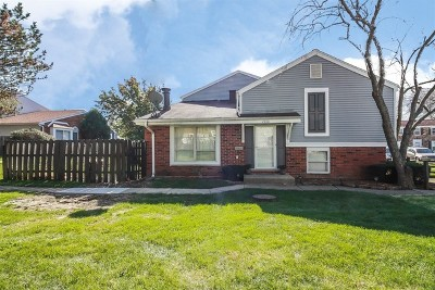 Hoffman Estates Condo/Townhouse Contingent: 2070 Sutherland Place