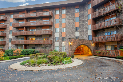 Bloomingdale Condo/Townhouse Contingent: 120 Lakeview Drive #111