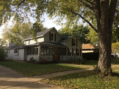 West Dundee Single Family Home For Sale: 620 South 3rd Street
