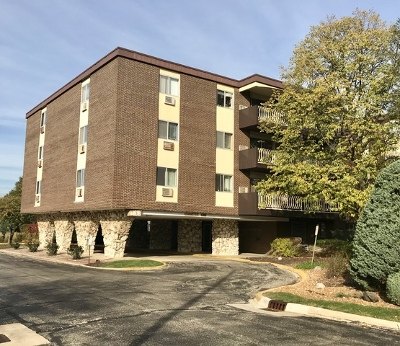 Lombard Condo/Townhouse Contingent: 1301 South Finley Road #113