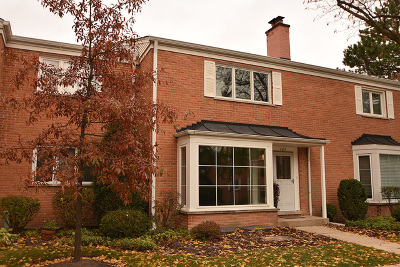Hinsdale Condo/Townhouse Contingent: 484 Old Surrey Road #C
