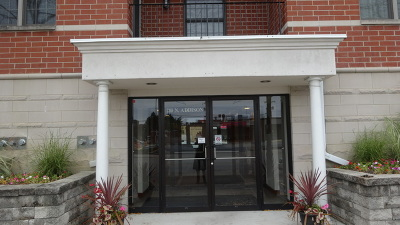 Elmhurst Condo/Townhouse For Sale: 210 North Addison Avenue #401