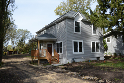 Lake Zurich Single Family Home For Sale: 155 North Pleasant Road