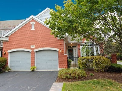 Lake Zurich Condo/Townhouse For Sale: 25 Lakebreeze Court