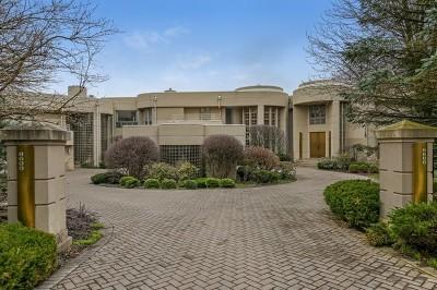 Burr Ridge Single Family Home For Sale: 8600 Oak Knoll Drive