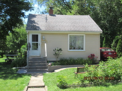 St. Charles Single Family Home Contingent: 6n418 Tucker Avenue