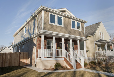 Oak Park Single Family Home Contingent: 1107 Clarence Avenue