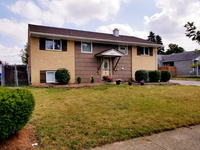 Glendale Heights Single Family Home For Sale: 1367 Glen Hill Drive