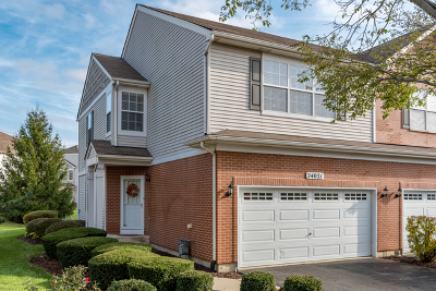 Plainfield Condo/Townhouse Contingent: 24021 Walnut Circle