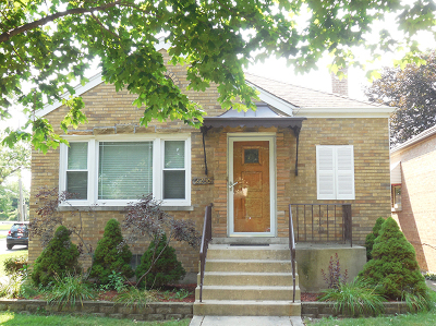 North Riverside IL Single Family Home Contingent: $199,000