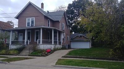 Elgin Multi Family Home For Sale: 475 Laurel Street