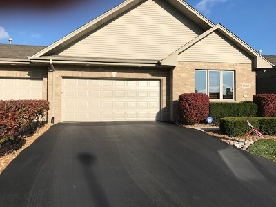 Orland Park Condo/Townhouse For Sale: 17749 Marley Creek Boulevard