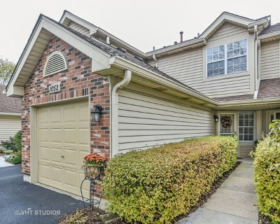 Carol Stream Condo/Townhouse Contingent: 1052 Rockport Drive