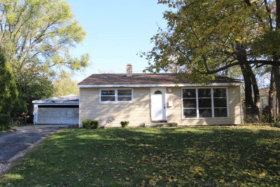 Carpentersville Single Family Home Contingent: 77 Alameda Drive