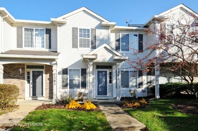 Aurora Condo/Townhouse For Sale: 2301 Reflections Drive #2301