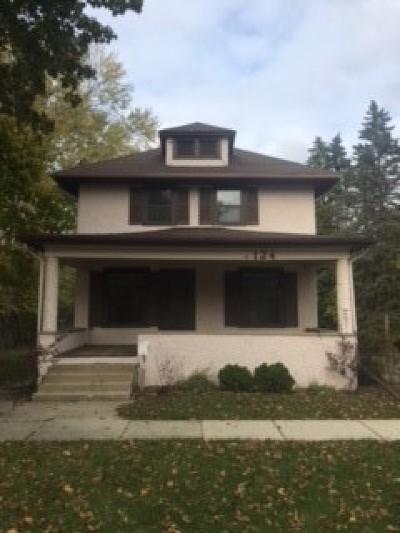 Libertyville Single Family Home For Sale: 124 East Sunnyside Avenue