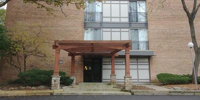 Lisle Condo/Townhouse Contingent: 5820 Oakwood Drive #4L