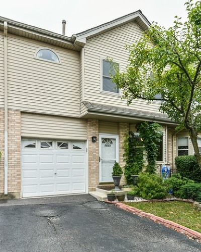 Hickory Hills  Condo/Townhouse For Sale: 8655 South Thomas Charles Lane