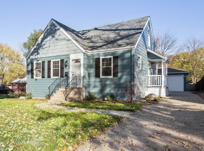 Lombard Single Family Home Contingent: 425 South Craig Place