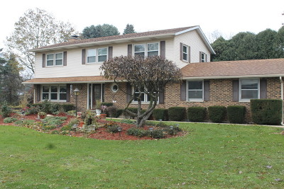 Crystal Lake Single Family Home For Sale: 5012 Amy Drive