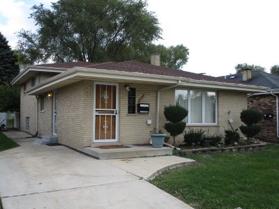 Calumet City Single Family Home For Sale: 381 Greenbay Avenue